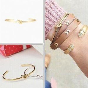 :: Stella & Dot GOLD Delicate Knot Cuff